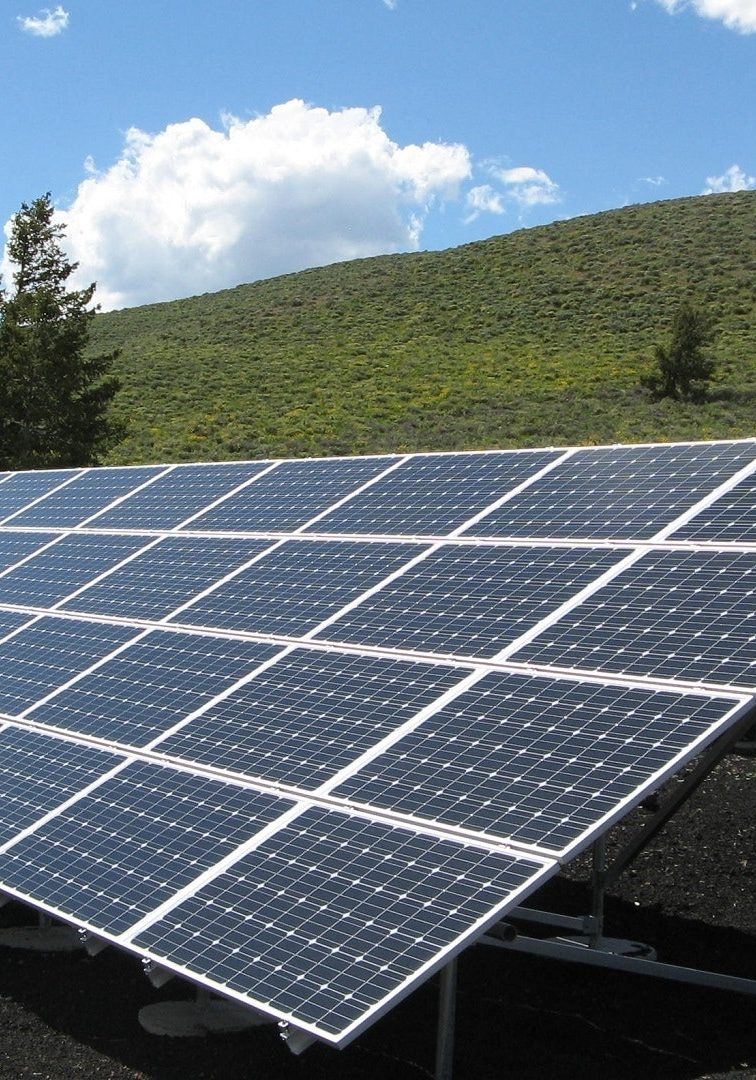 black-and-silver-solar-panels-159397